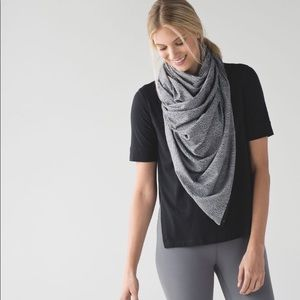 LULULEMON Vinyasa Wrap / Scarf Heathered Grey